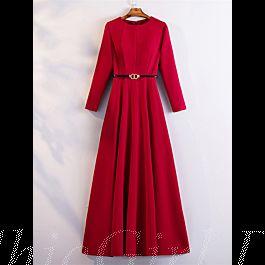 a linie abendkleid hochgeschlossen langarm rot satin schlicht elegant mit Ärmel gürtel