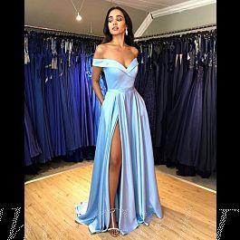 abendkleid lang hellblau satin schlicht elegant mit schlitz carmen ausschnitt