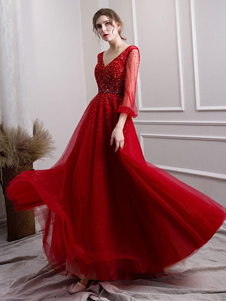 Luxus A Linie Abiballkleider Abendkleid V Ausschnitt Langarm Rot Tüll  Perlen Mit Ärmel